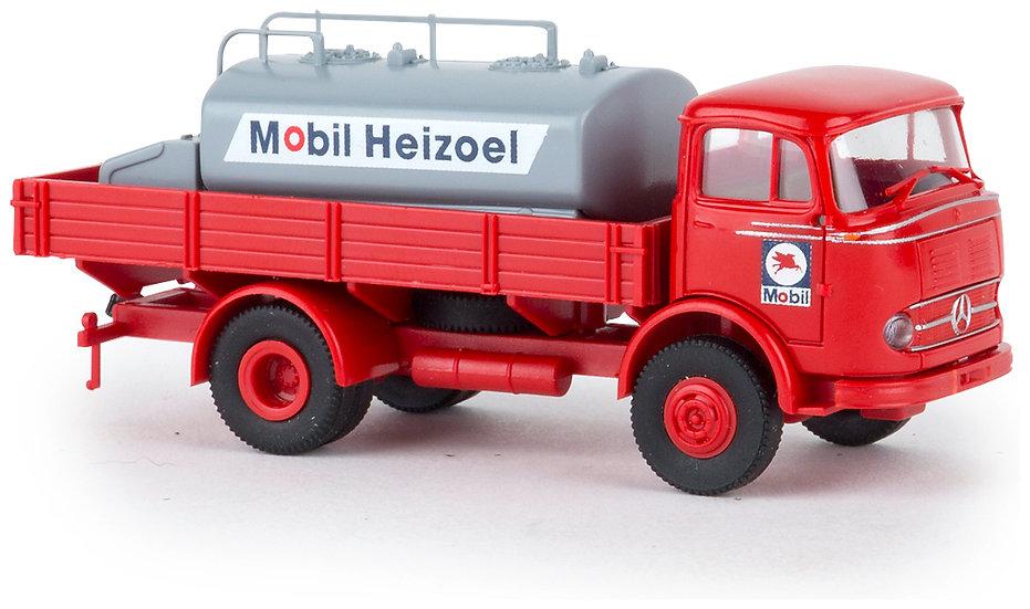 BREKINA 48030, Mercedes-Benz LP328 camión con  tanque