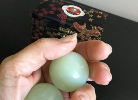 Natural Jade Stone Baoding Health Balls