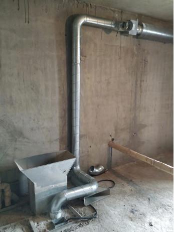 Канальный вытяжной вентилятор Systemair К 125 EC Sileo на техническом этаже