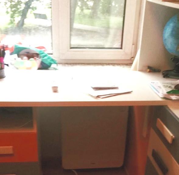 Бризер Тион 4S под письменным столом