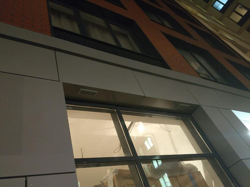 Вывод вентиляционного канала в откос окна