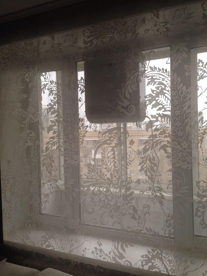 Бризер Тион О2 на окне. Успешно висит с 2017 года