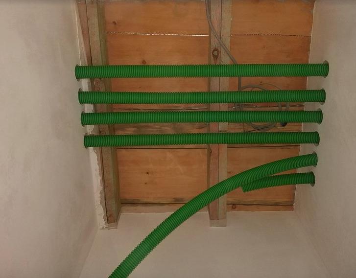 Система гибких воздуховодов в загородном доме