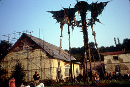 Ales Vesely cottage and sculpture