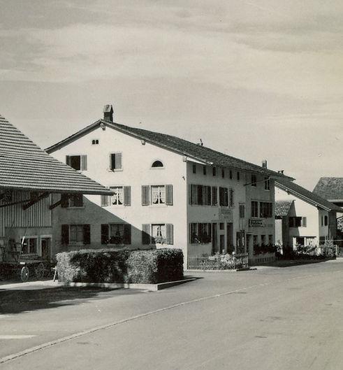 naenikon_1952_02-hirschen_sw.jpg