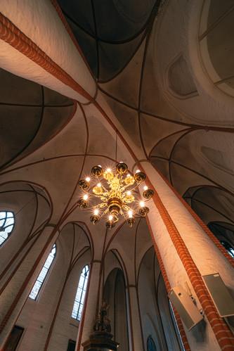 St-Jakobi_LookUp_Leuchter_S1A1006_DH2101