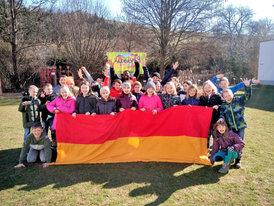 VS Sieggraben 100 Jahre Burgenland Gruppe Fahne1