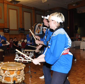 Japanese drummers entertain the crowd