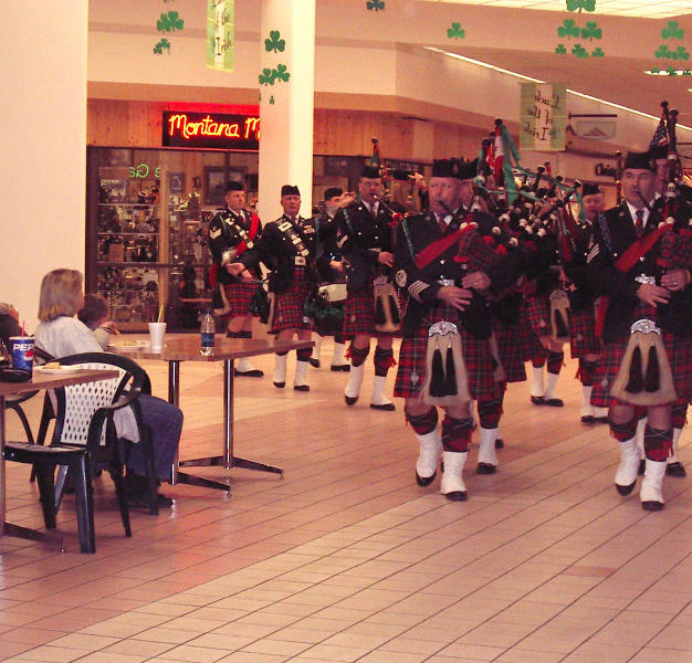 Playing for shoppers & fans at the Butte Plaza Mall in 2006