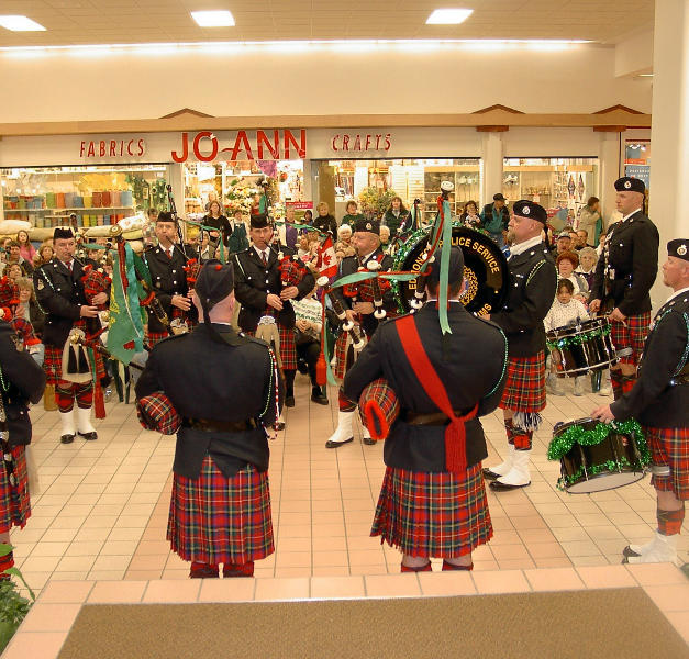 Playing for shoppers & fans at the Butte Plaza Mall 2005