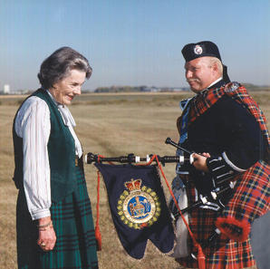 Countess Mounbatten (Lady Patricia) with Pipe Major McKee in 1995