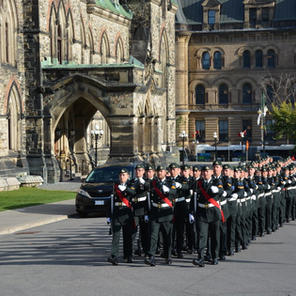 Van Doos (Royal 22nd Regiment) arriving for Sunset Ceremony at Parliament Hill