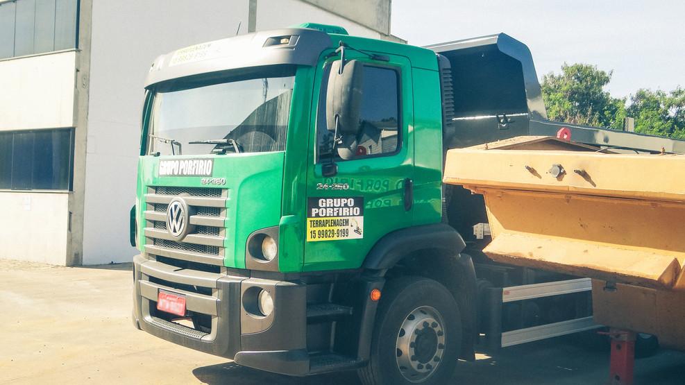 Caminhão 03