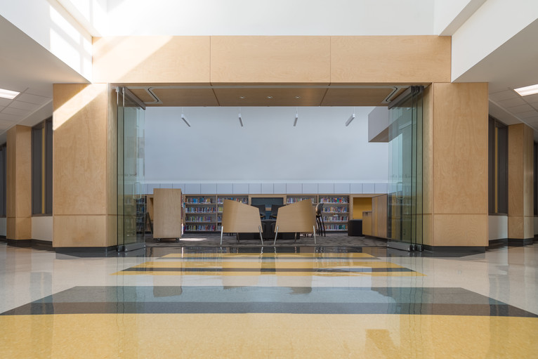 HSA Entrance&Lib_4703.jpg