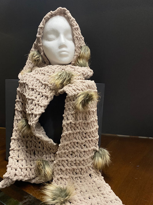 Hand Knitted Scarf with Faux Fur
