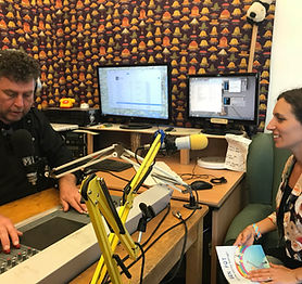 Happy Parent Media for Kids Reading at S