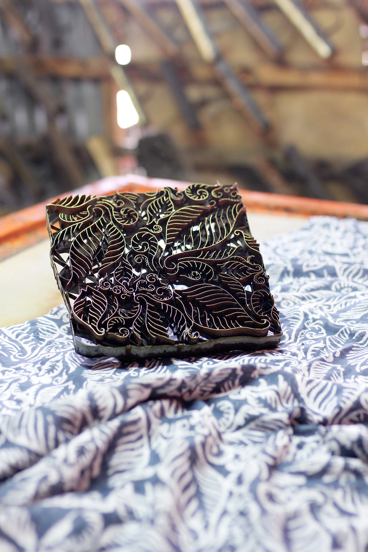 Metal block to make Batik by hand