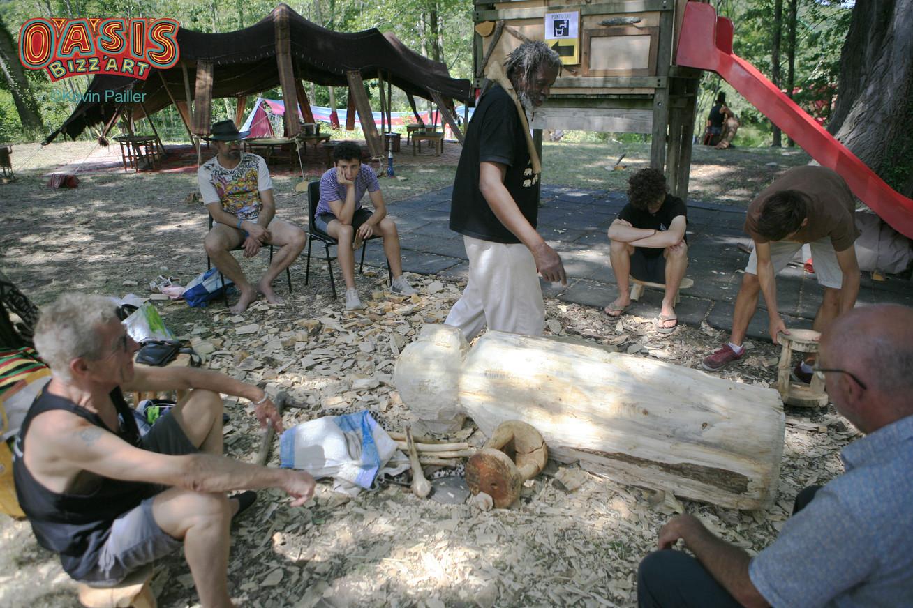 Atelier de sculpture sur bois avec Bomavé Konaté