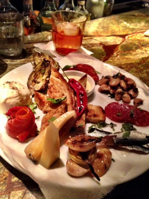 צלחת טעימות מאיטליה – הכל היה טעים.jpg