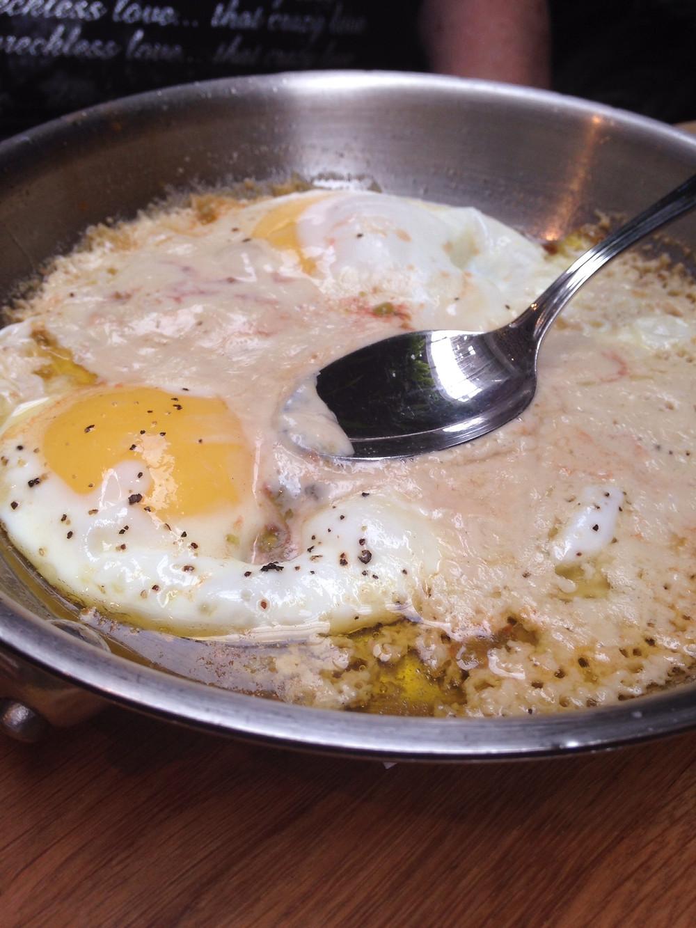 סינייה של ביצי עין - השמן החדש משתלט על המנה.jpg