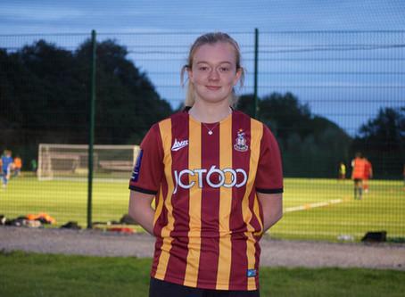 Players Profiles - Ellie Prothero