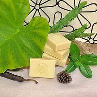 山茶花乳油木果皂-b.jpg