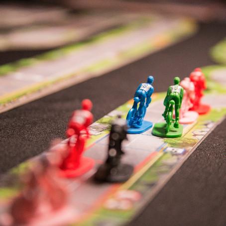 Prepare sua equipe e venha disputar uma corrida acirrada no jogo das bicicletinhas!