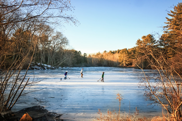 Best Skating Pond For A Hockey Game