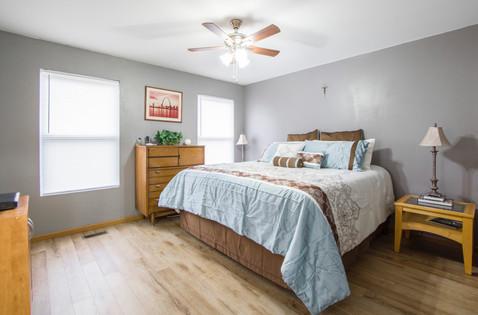 architecture-bed-bedroom-1834725.jpg