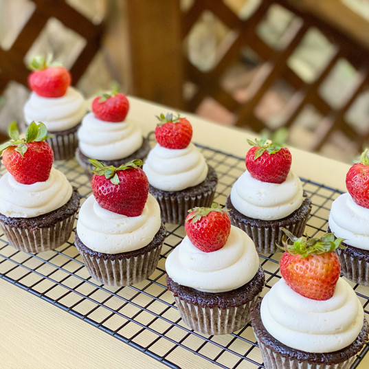 Chocolate, marshmallow buttercream and strawberries