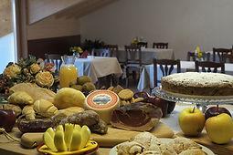 Colazione agriturismo Casa Preti Cagnò Val di Non Trentino