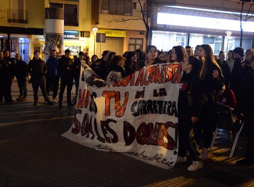 S'aplaça l'acte de la carretera després de la pressió dels grups feministes de la vila