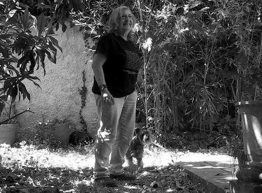 """Toni Moreno presenta el documental """"El record de les absències"""", sobre l'artista Marta Pessarrodona"""
