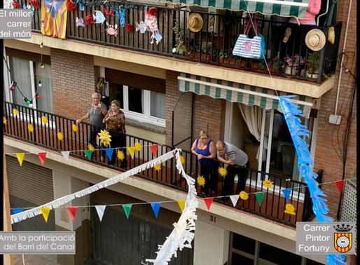 El carrer Pintor Fortuny promou una iniciativa de guarnir els carrers amb temàtiques diverses