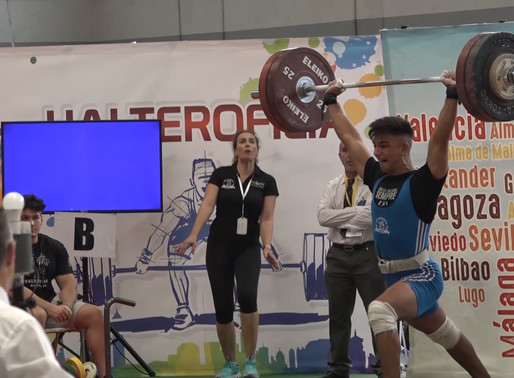 Més d'un centenar d'atletes participen en el XVII Campionat d'halterofília sub-17 a Molins de Rei