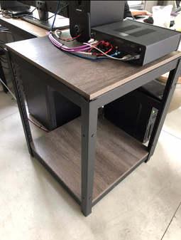 黑砂紋角鋼+18mm跨放式美芯板-龐貝黑杉+封孔柱