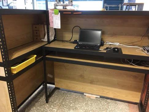黑砂紋角鋼櫃檯+8mm內嵌式美芯板 +封板+組合桌上架