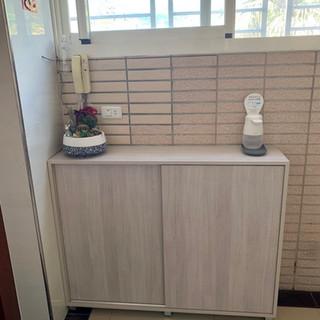 滑門鞋櫃120*30*90h, 雙排滑門櫃,色號原切相思木