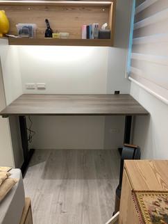 寶10362 黑升降桌+龐貝黑衫-2.jpg