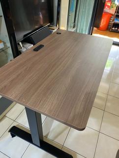 寶9908黑升降桌+切爾克斯-1.jpg