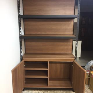 角鋼架+背封板+底櫃-開門櫃
