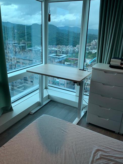 寶10113 白升降桌+北美原橡 (1).jpg
