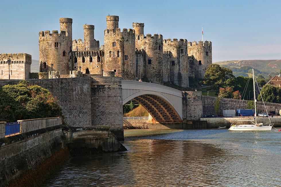 Conwy-Castle-River-Wales.jpg