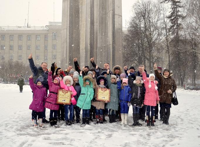 Ночные Волки Тула. Дети Донбаса. Фото на память