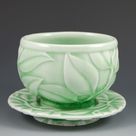 Leaf cup and saucer