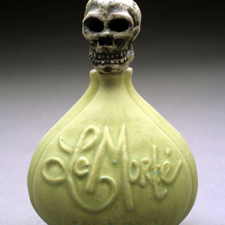 Le Morte perfume bottle