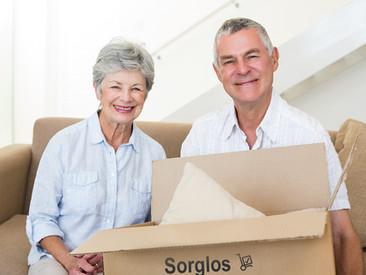 Umzugstipps für Senioren: Die Verkleinerung des Wohnraums richtig angehen.