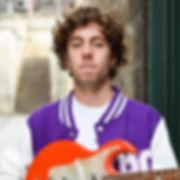 I haz Gitar.JPG