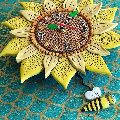 BEE SUNNY clock