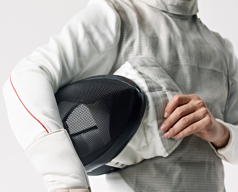 Fencer%20with%20Protective%20Mask_edited.jpg